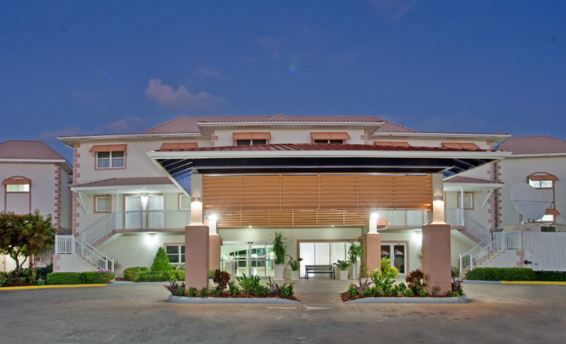 grand cayman resort hotel with local shuttle