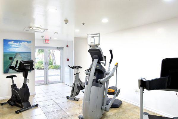 fitness-room638A6312-8759-C32E-6867-92F7190229E2.jpg