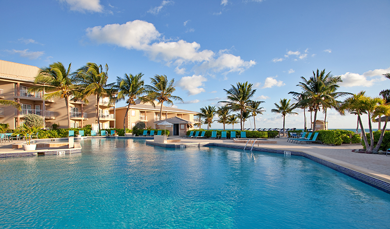 grand cayman resort hotel pool