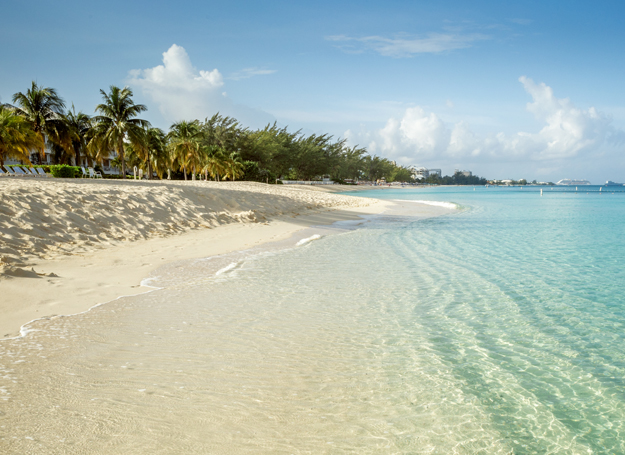 hotels near seven mile beach grand cayman