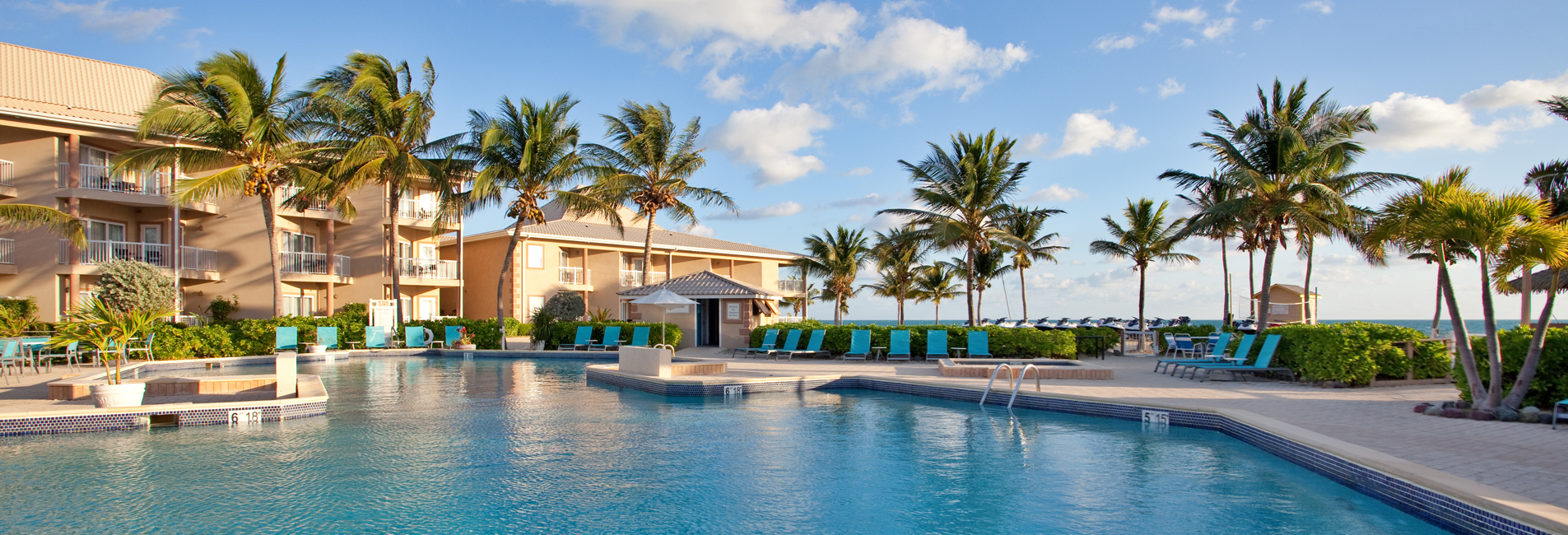 Hotels in Grand Cayman with pool